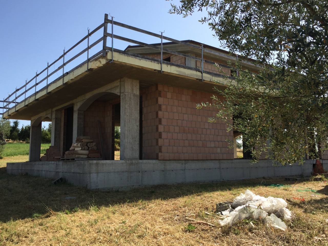 Villa in vendita a Città Sant'Angelo, 6 locali, prezzo € 190.000 | CambioCasa.it