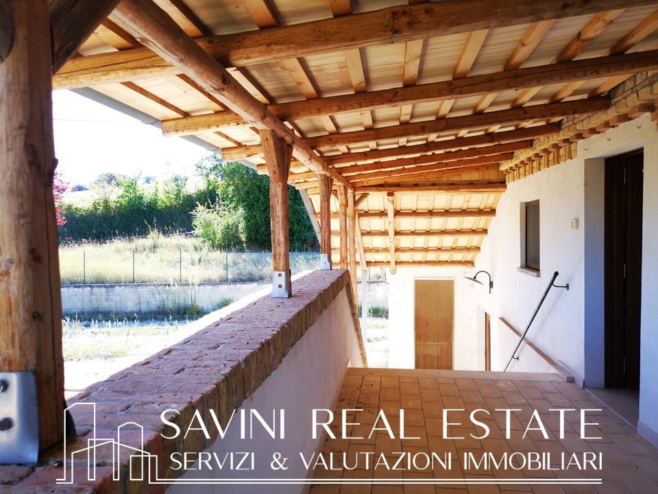 Soluzione Indipendente in vendita a Città Sant'Angelo, 5 locali, prezzo € 265.000 | CambioCasa.it
