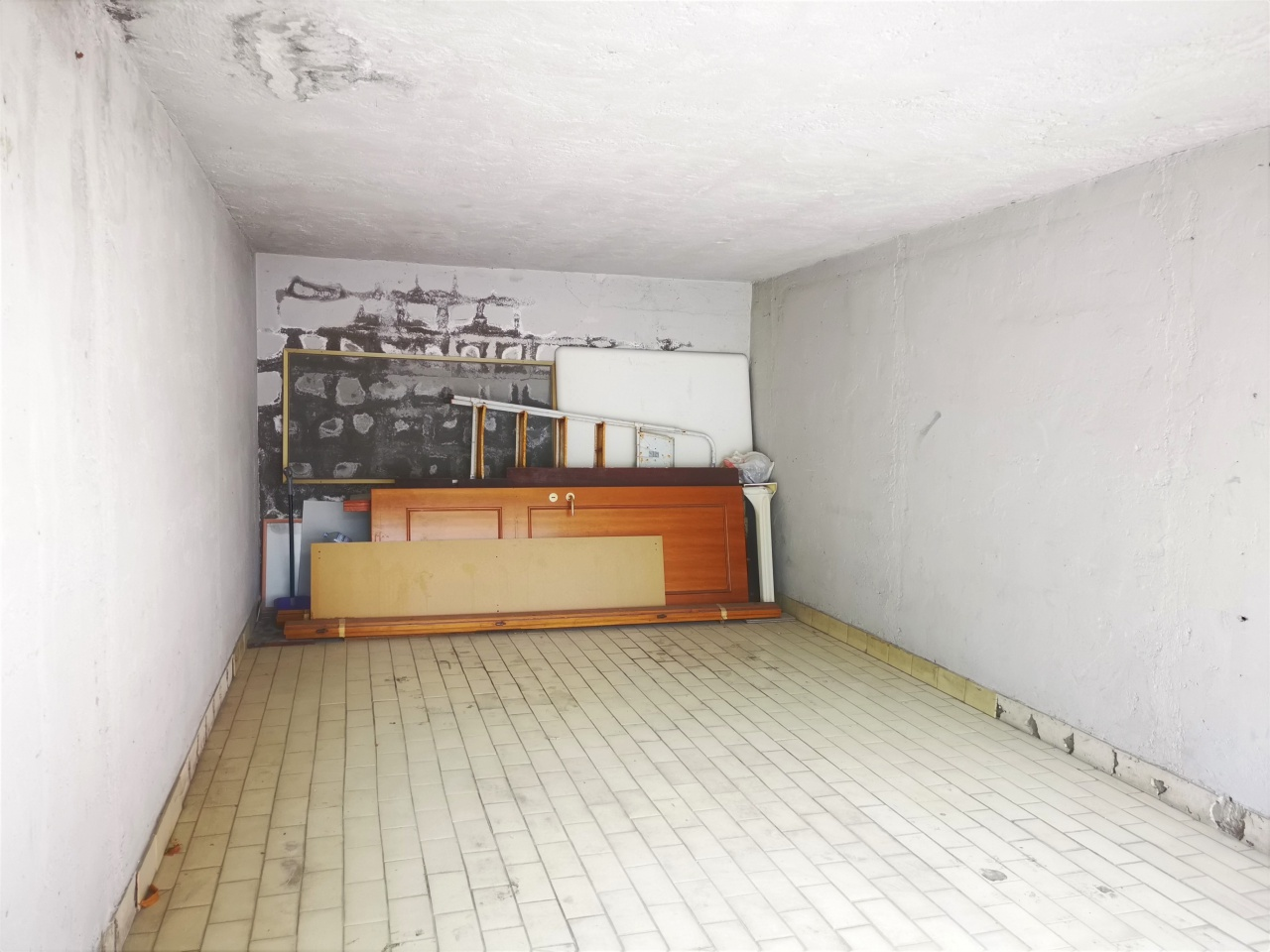 Box/Posto auto PESCARA SRE2198