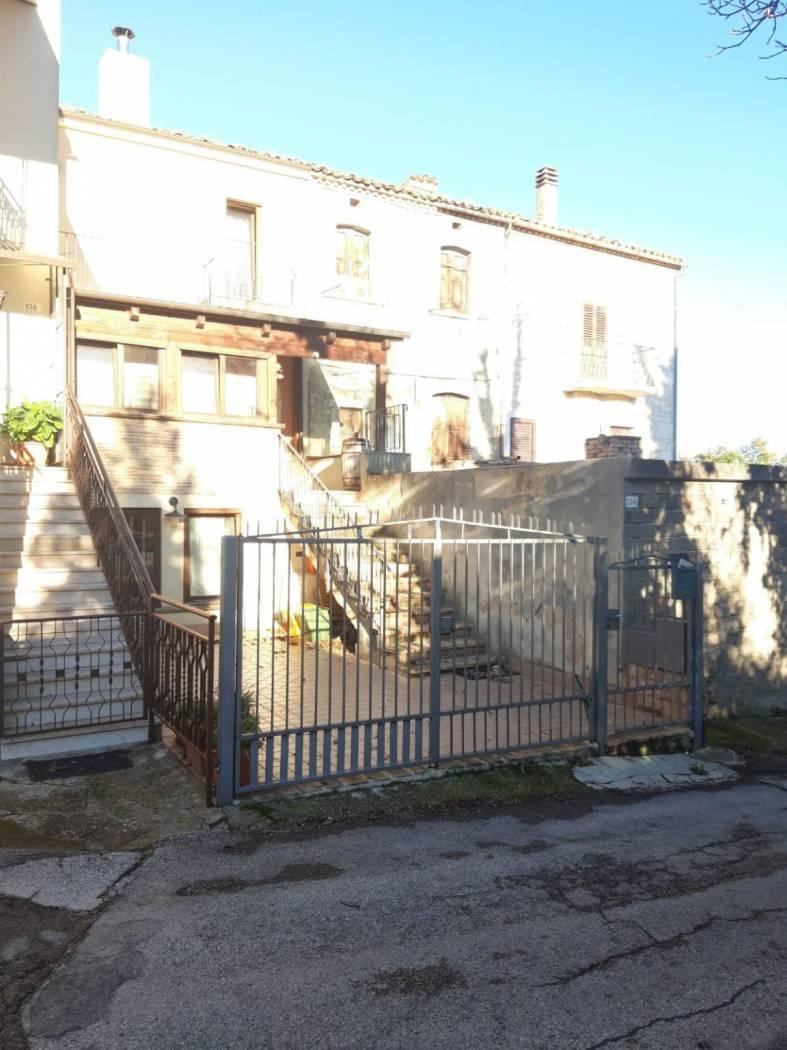 Rustico trilocale in vendita a Rapino (CH)-14