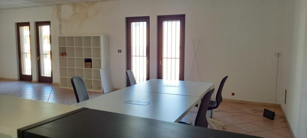Ufficio trilocale in affitto a San Giovanni Teatino (CH)-12