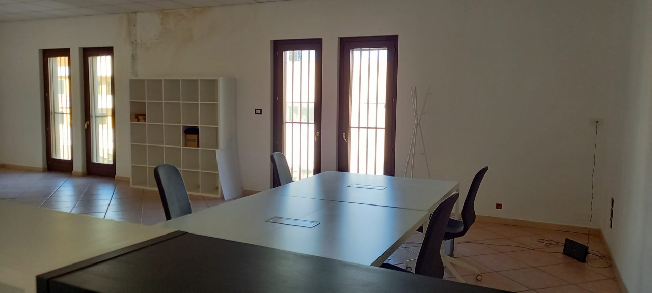 Ufficio trilocale in affitto a San Giovanni Teatino (CH)-13