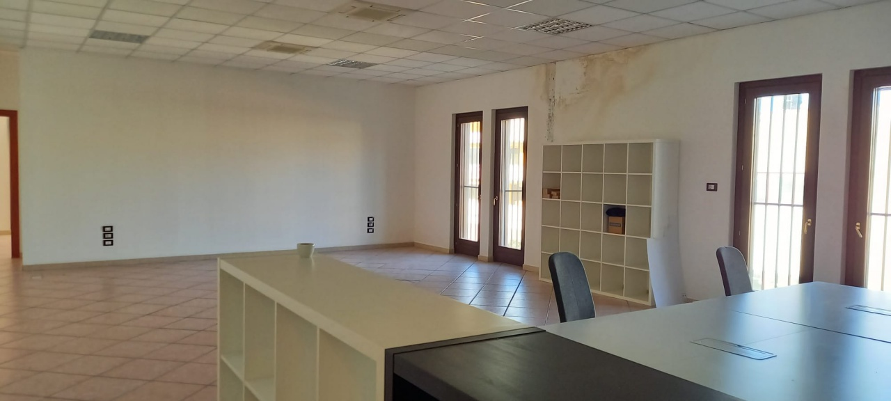 Ufficio trilocale in affitto a San Giovanni Teatino (CH)-17