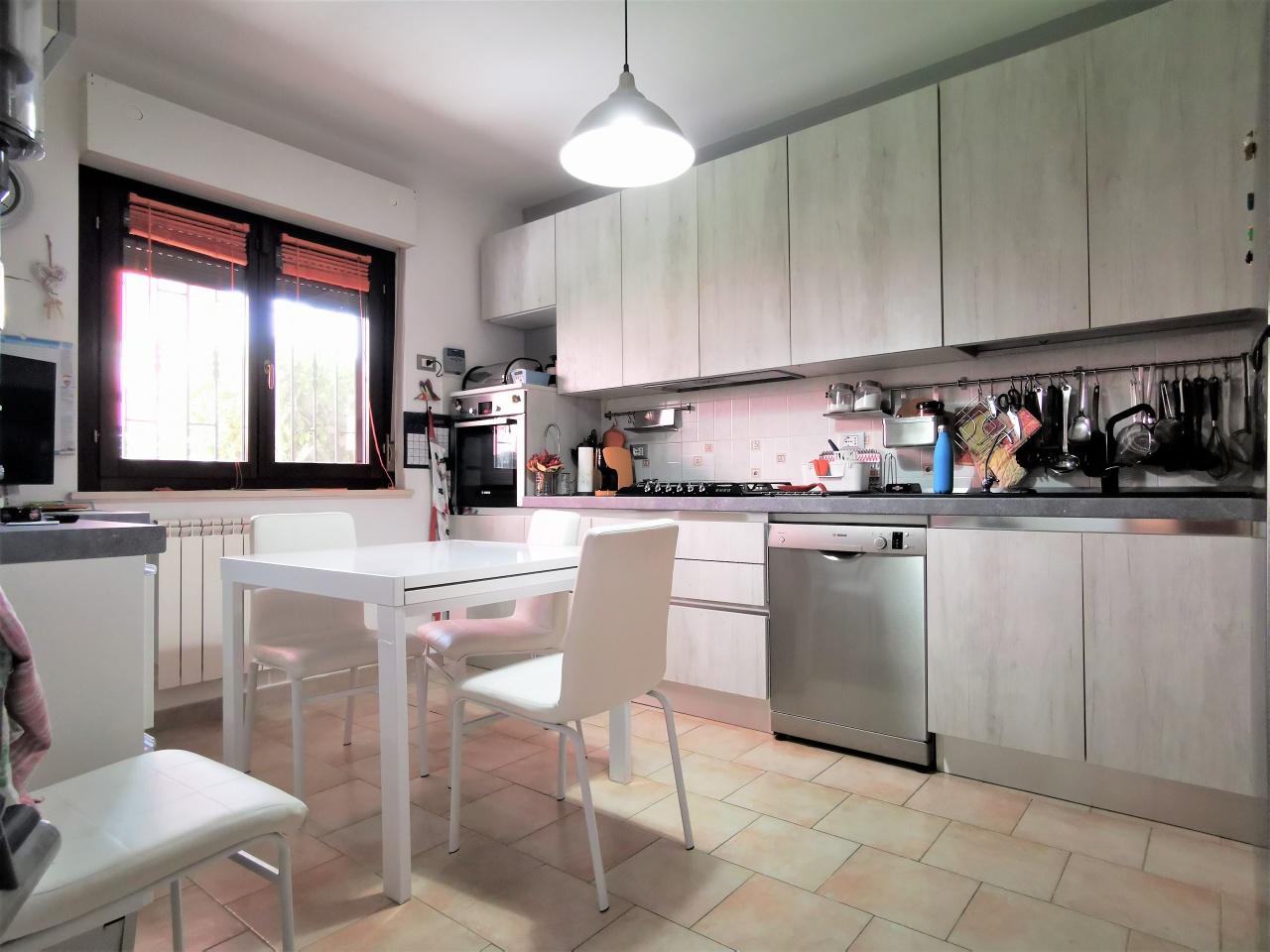 Villa bifamiliare CITTA' SANT'ANGELO SRE2255