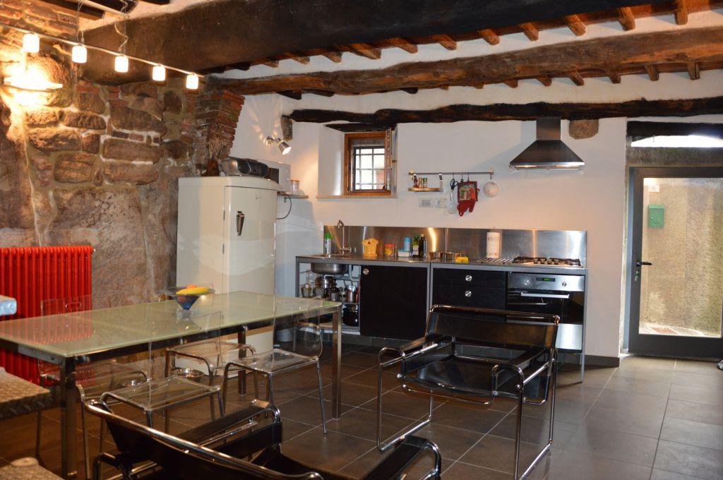 Appartamento in vendita a Roccastrada, 3 locali, prezzo € 50.000 | CambioCasa.it
