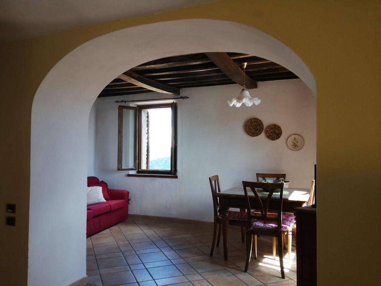 Appartamento in vendita a Cinigiano, 4 locali, prezzo € 83.000 | PortaleAgenzieImmobiliari.it