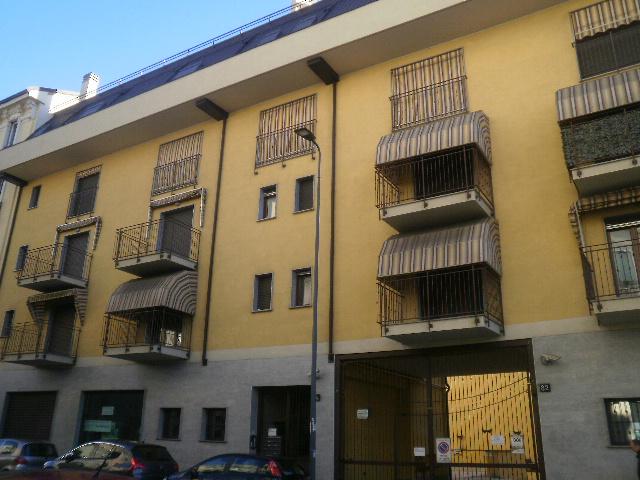 Bilocale Milano Via Venini 6