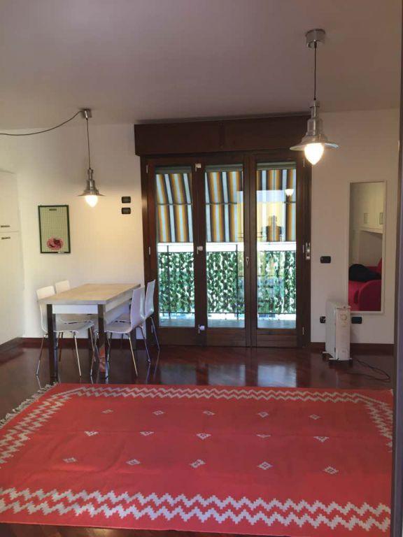 Bilocale Milano Via Venini 1