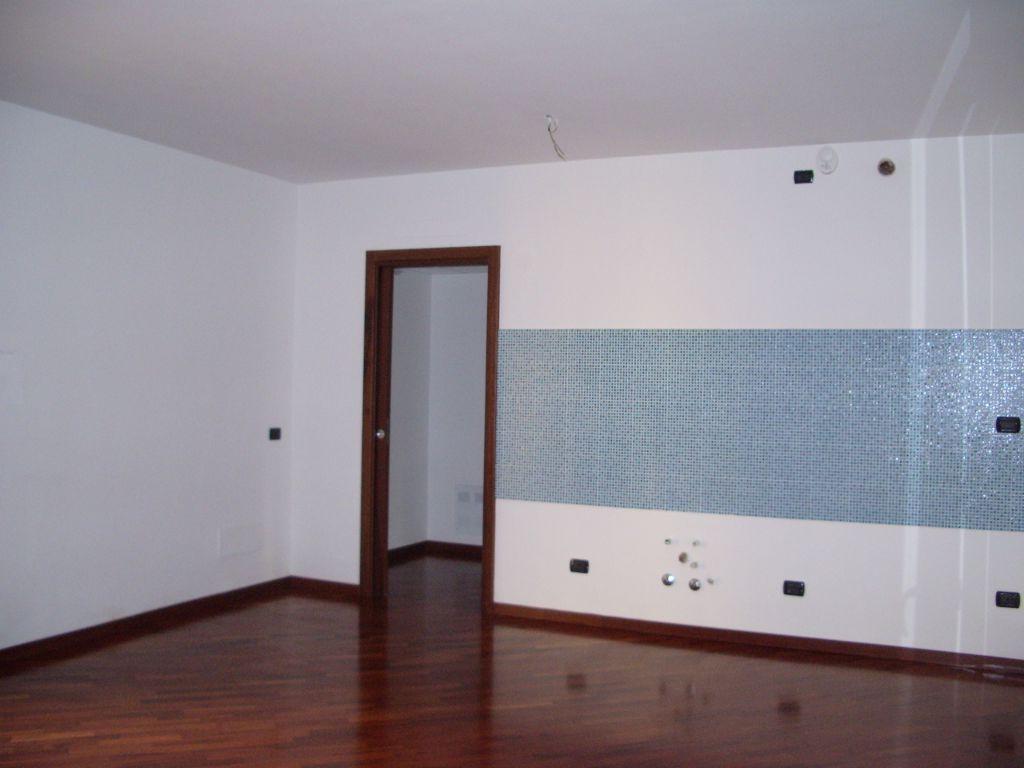 Bilocale Milano Via Venini 9