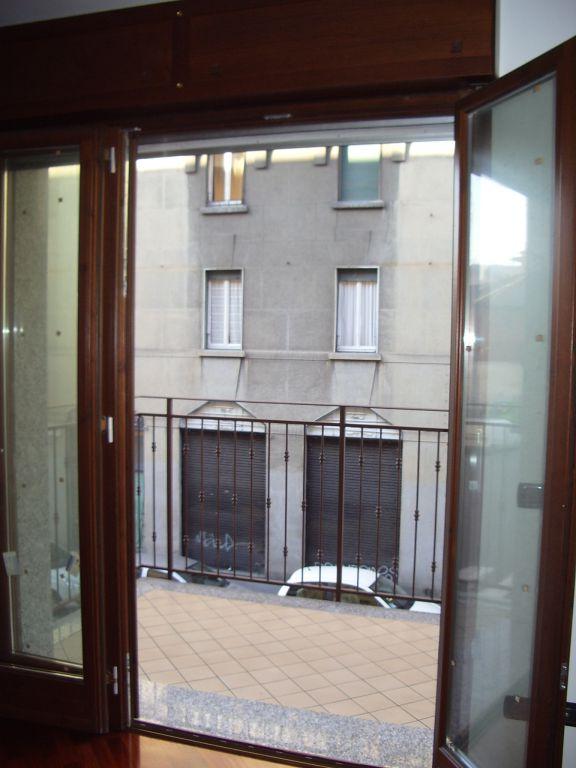 Bilocale Milano Via Venini 8