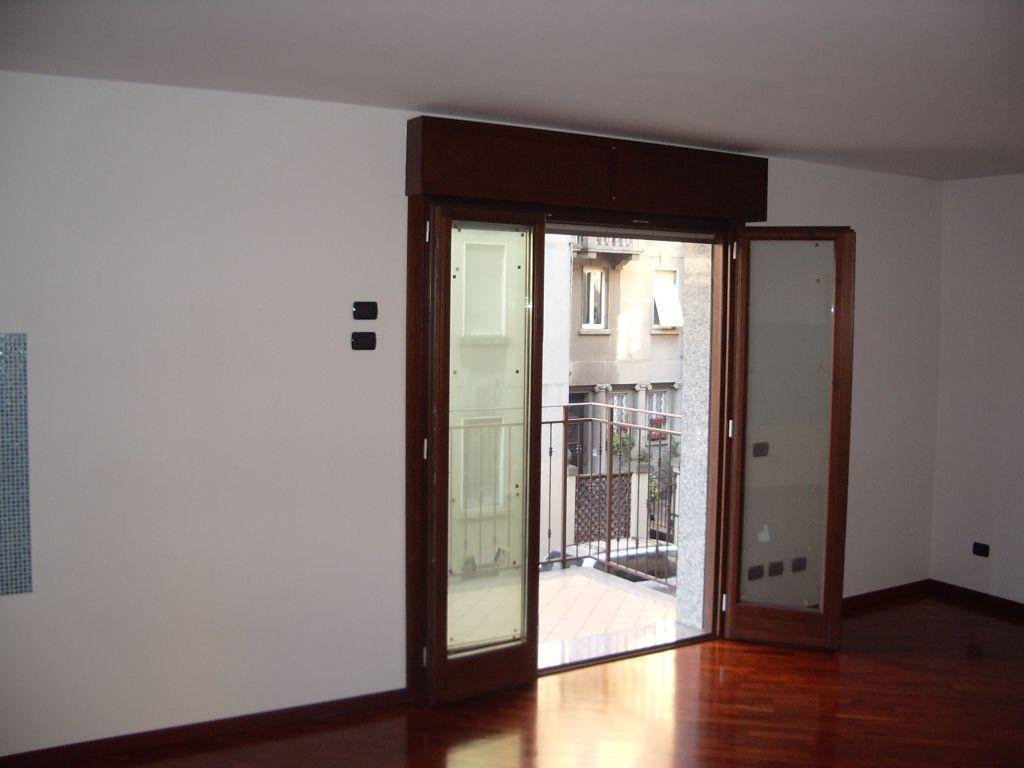 Bilocale Milano Via Venini 10
