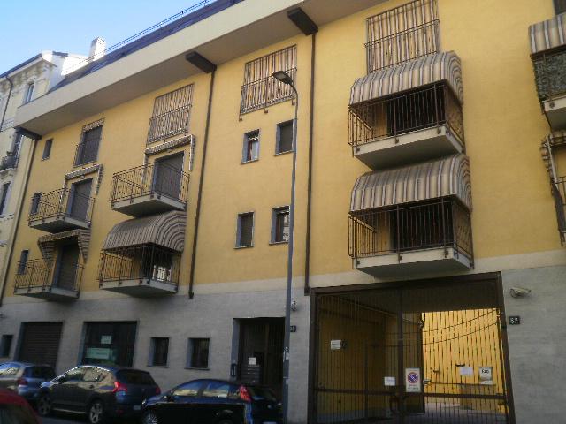 Bilocale Milano Via Venini 4