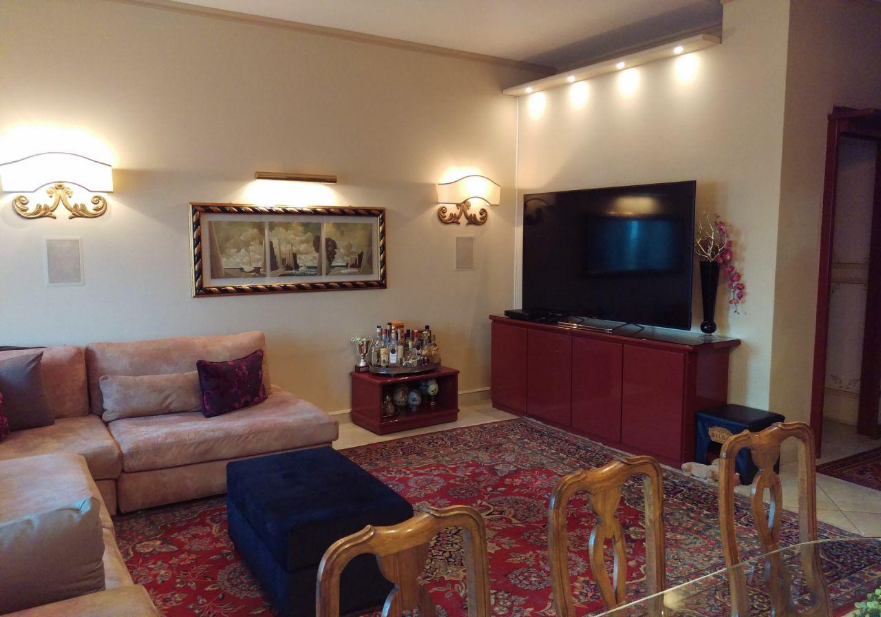 Appartamento ristrutturato arredato in vendita Rif. 4757413