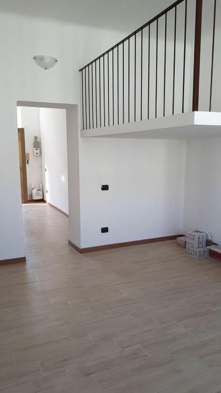 Appartamento ristrutturato arredato in vendita Rif. 9801729