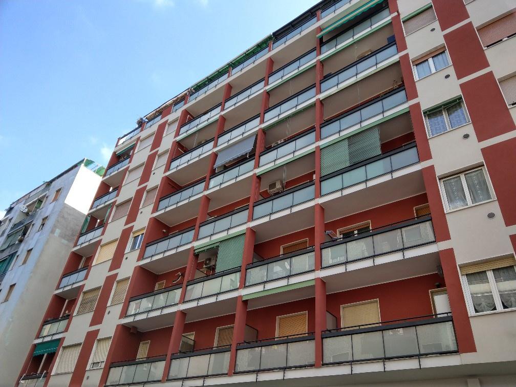 Appartamento in buone condizioni arredato in vendita Rif. 8905016