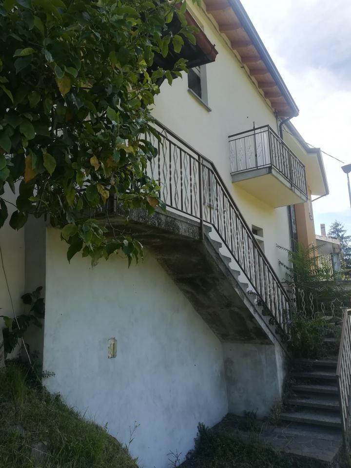 Appartamento in ottime condizioni in vendita Rif. 7418337