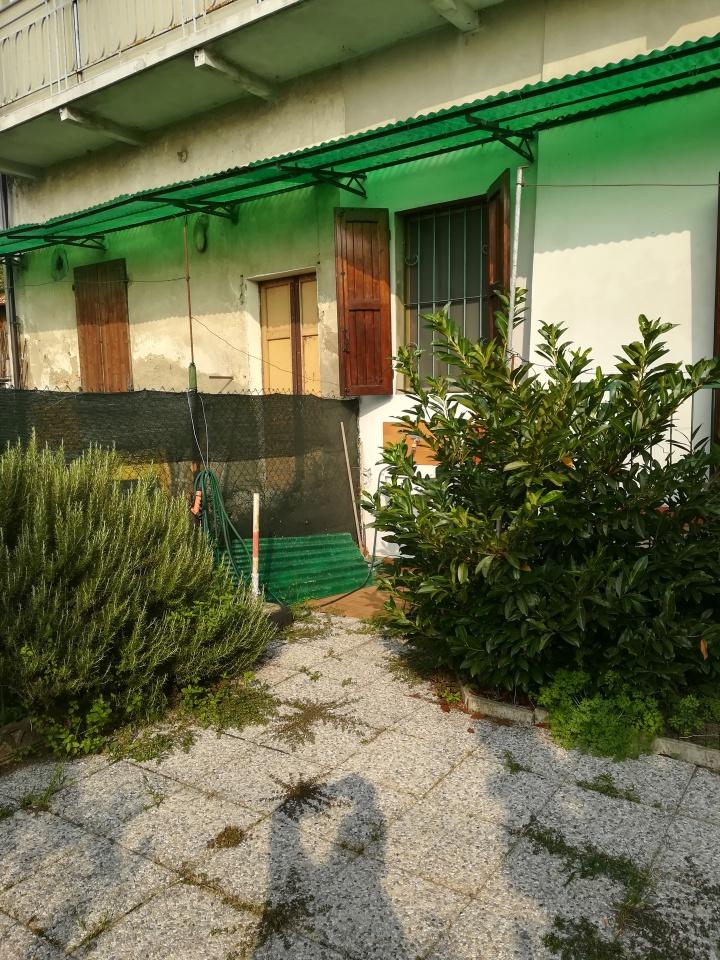 Appartamento in ottime condizioni arredato in vendita Rif. 8070457