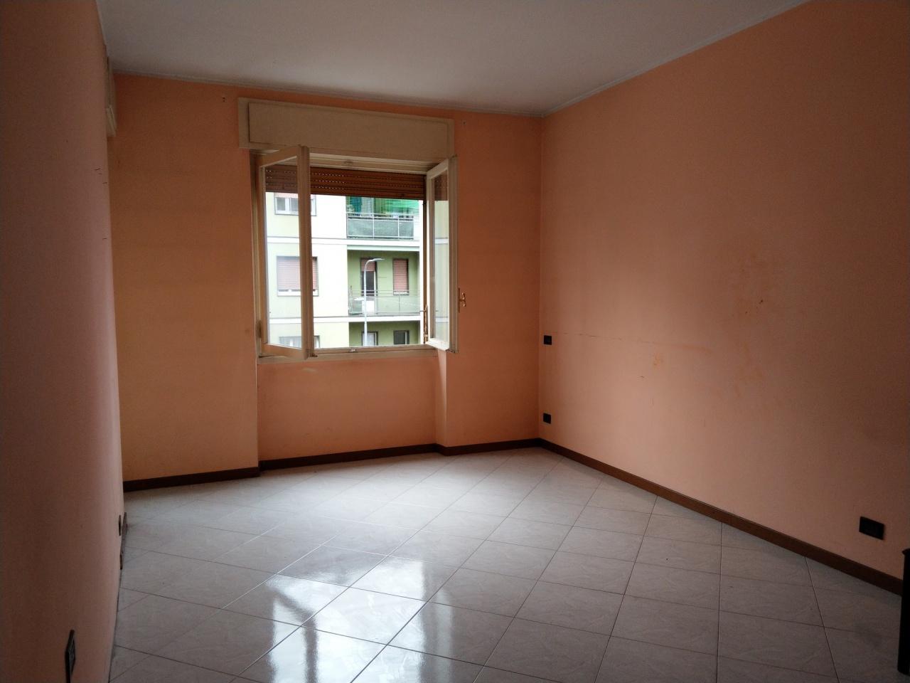 Appartamento in buone condizioni arredato in vendita Rif. 8419883