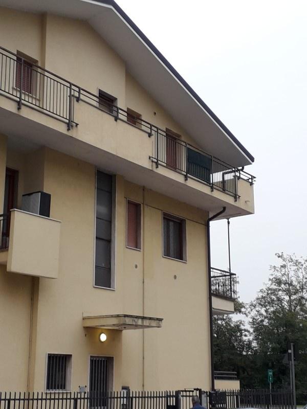 Appartamento in ottime condizioni in vendita Rif. 11327175