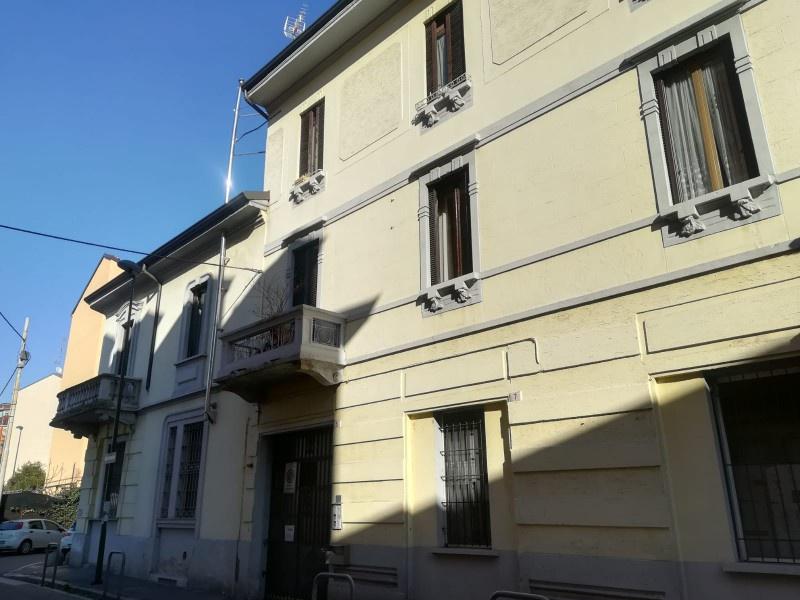 Appartamento in ottime condizioni in vendita Rif. 9443585