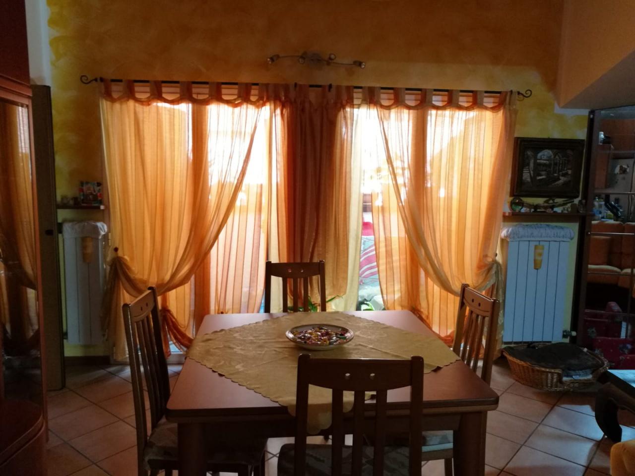 Appartamento in ottime condizioni in vendita Rif. 9556344