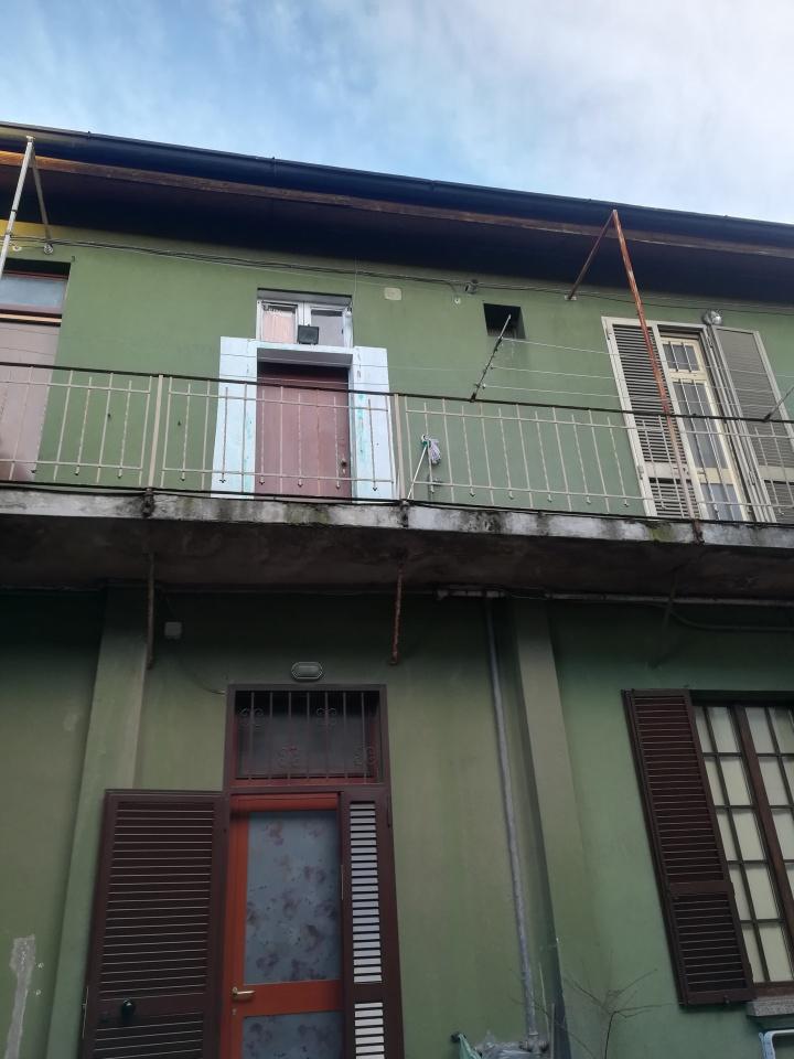 Appartamento in buone condizioni in vendita Rif. 9571093