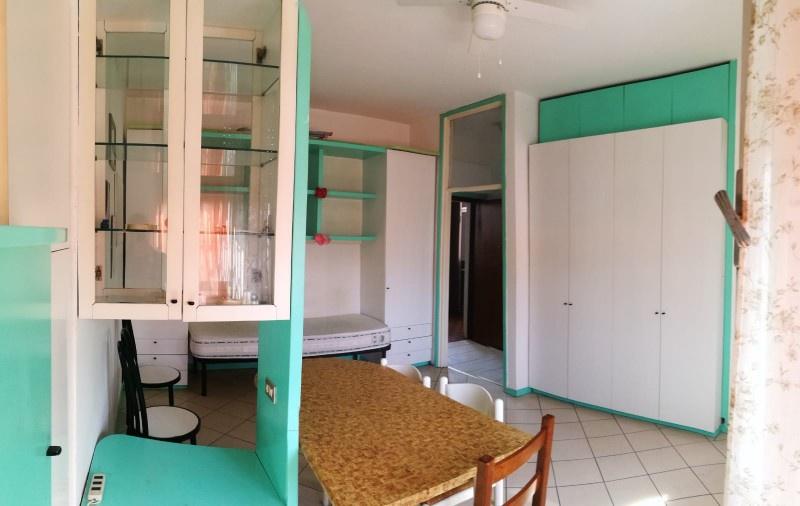 Appartamento in buone condizioni arredato in vendita Rif. 9801733