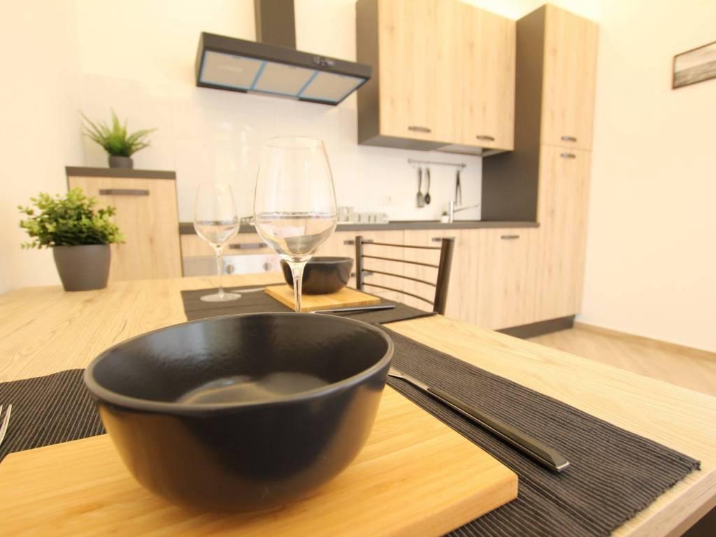 Appartamento ristrutturato arredato in vendita Rif. 10345026