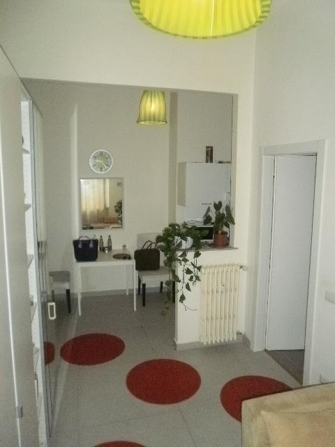 Appartamento in ottime condizioni arredato in affitto Rif. 10435467