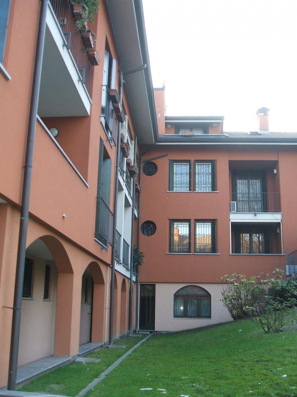 Appartamento in ottime condizioni in vendita Rif. 10457893