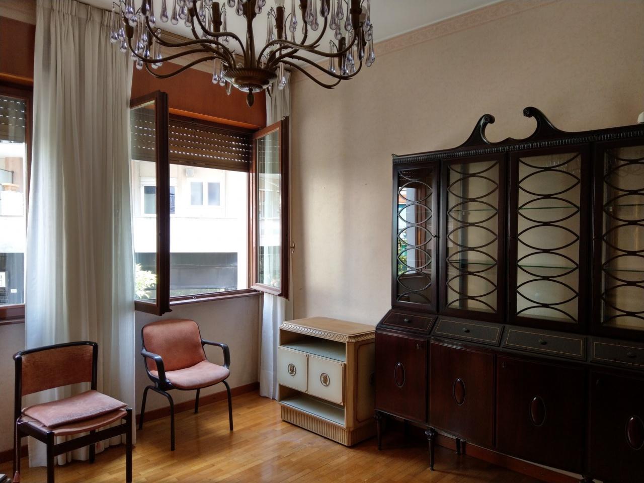 Appartamento in buone condizioni in vendita Rif. 10483257
