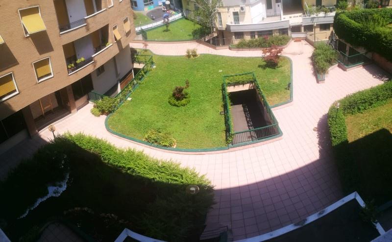 Appartamento in buone condizioni in vendita Rif. 10630217