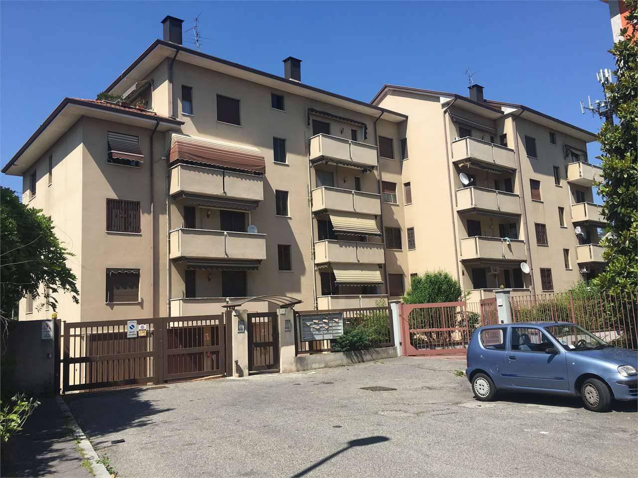 Appartamento da ristrutturare in vendita Rif. 10754526