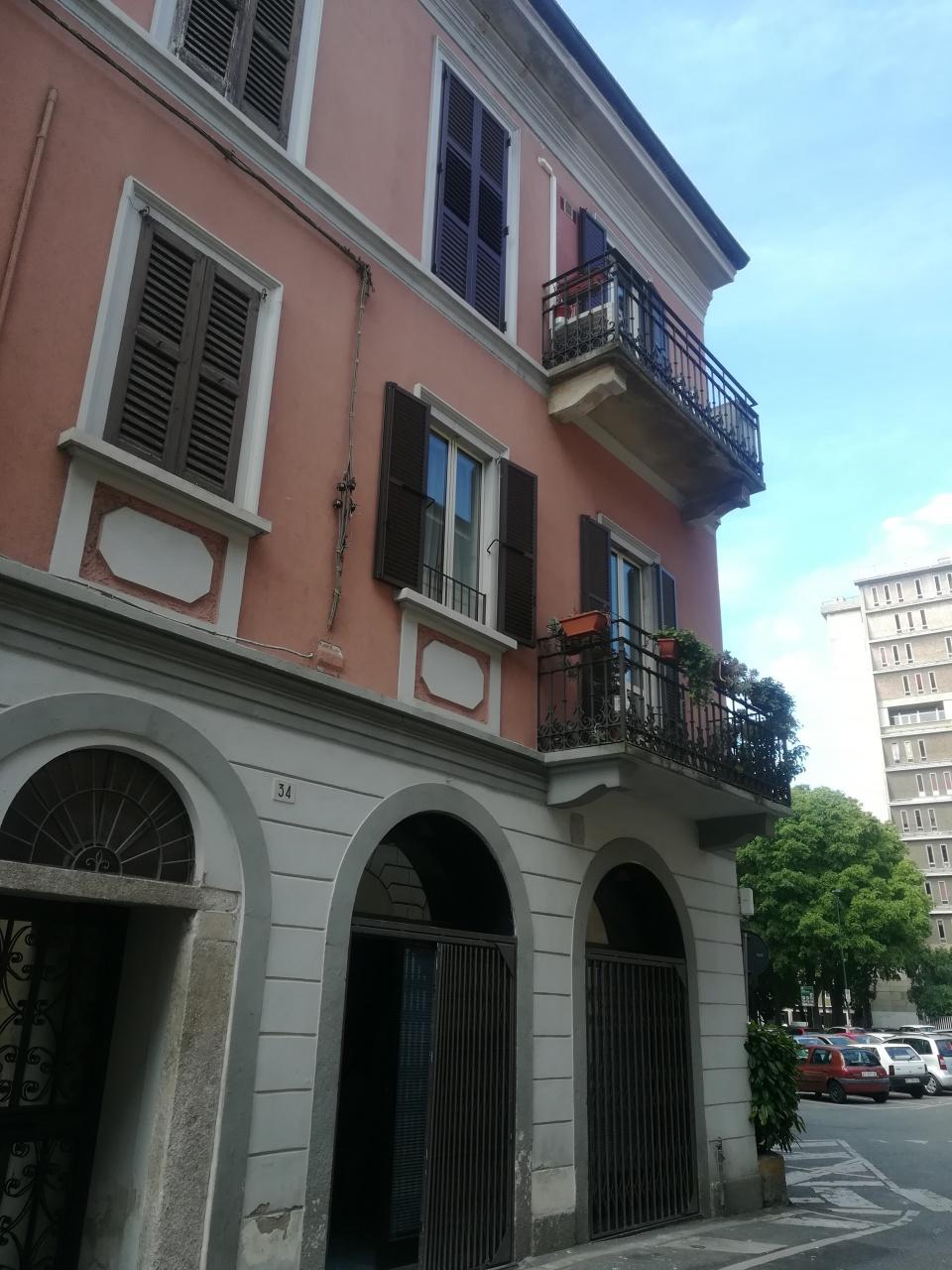 Appartamento in buone condizioni in vendita Rif. 11058777