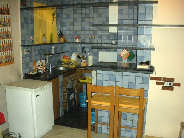 Appartamento in buone condizioni arredato in affitto Rif. 11147812