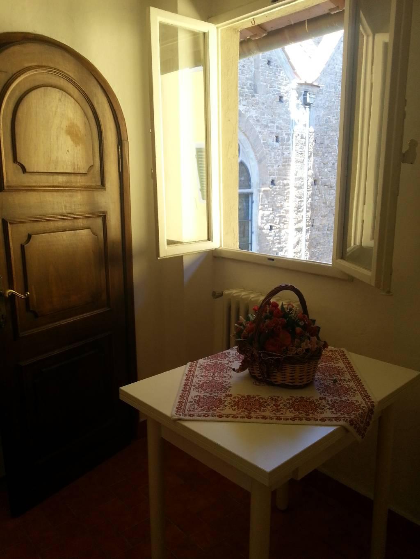 Affitto bilocale Firenze Via San Giuseppe, 34 metri quadri