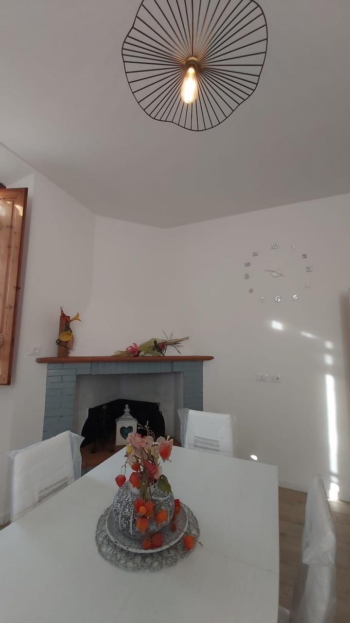 Soluzione Indipendente in affitto a Bucine, 4 locali, prezzo € 600 | CambioCasa.it
