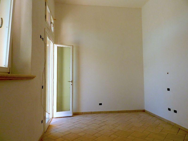 Appartamento CECINA C0019
