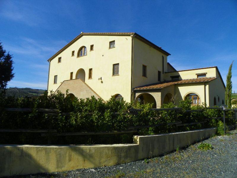 Appartamento in vendita a Riparbella, 2 locali, prezzo € 120.000 | CambioCasa.it