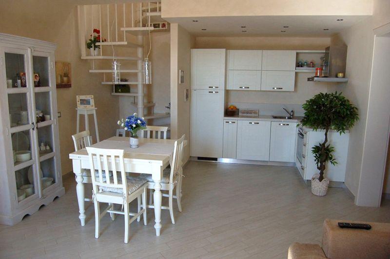 Appartamento CECINA C0048