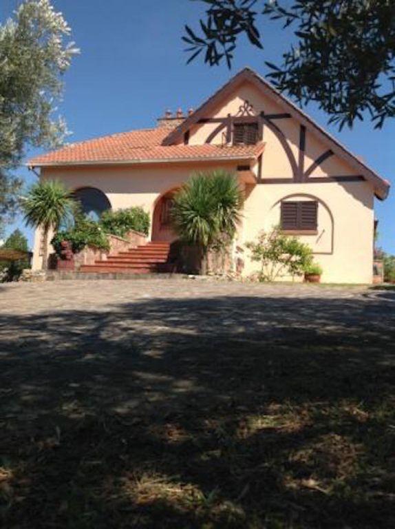 Villa in vendita a Montescudaio, 8 locali, Trattative riservate   CambioCasa.it