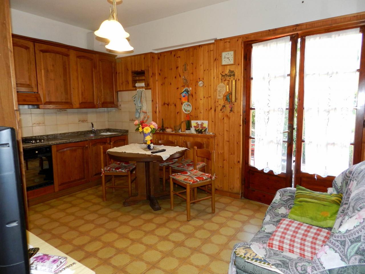 Appartamento CASTELLINA MARITTIMA R0866