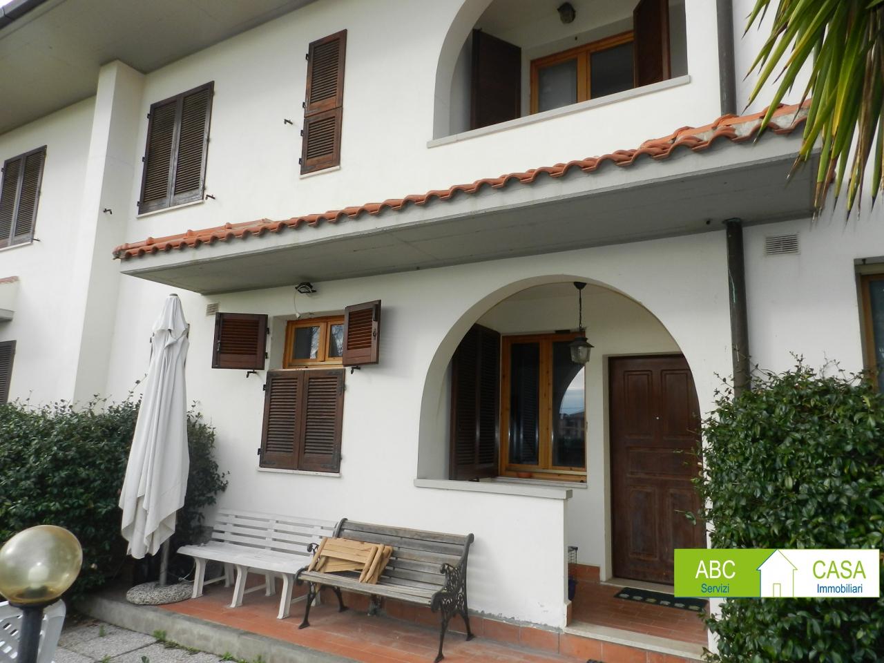 Casa Indipendente in buone condizioni in vendita Rif. 9700552