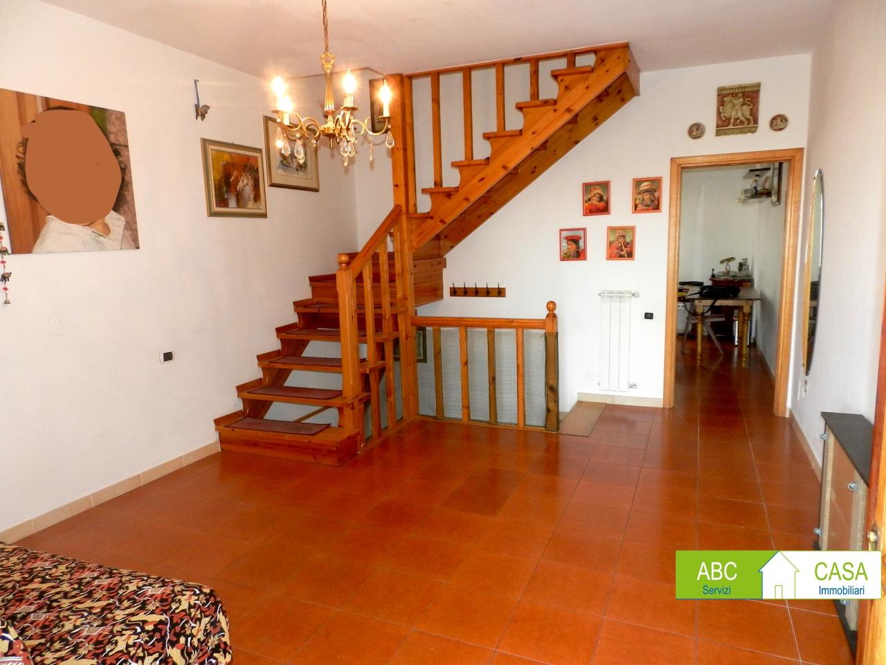 Casa Indipendente da ristrutturare in vendita Rif. 9973152