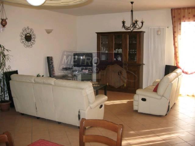 Appartamento in vendita a Sarcedo, 5 locali, zona Località: PERIFERIA, prezzo € 288.000 | Cambio Casa.it