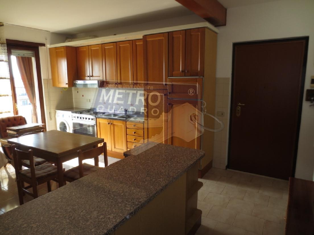 Appartamento in vendita a Thiene, 4 locali, zona Località: NORD, prezzo € 155.000 | Cambio Casa.it