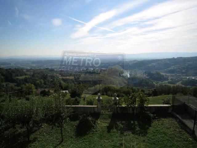 Rustico / Casale in vendita a Lugo di Vicenza, 6 locali, prezzo € 170.000 | Cambio Casa.it