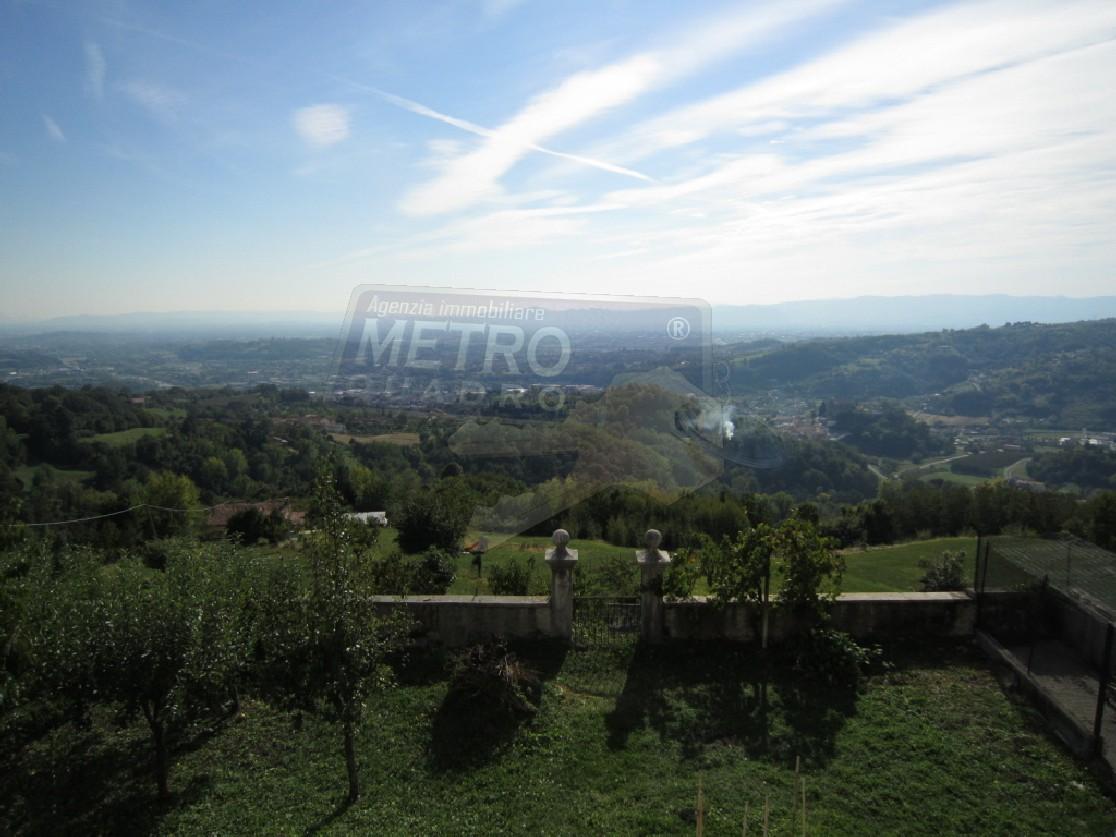 Rustico / Casale in Vendita a Lugo di Vicenza