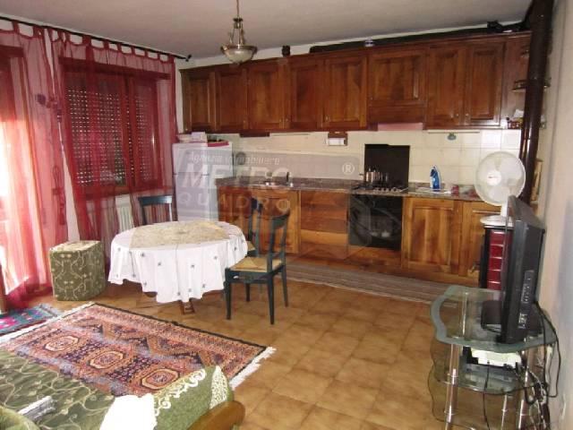 Appartamento in vendita a Caltrano, 4 locali, zona Località: PERIFERIA, prezzo € 105.000 | Cambio Casa.it
