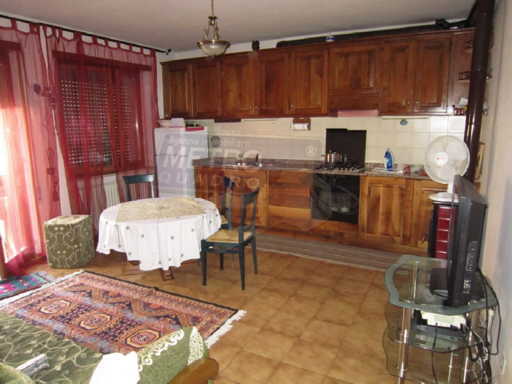 Appartamento in vendita a Caltrano, 4 locali, prezzo € 105.000 | CambioCasa.it